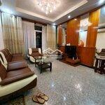 Cho thuê 3 phòng ngủ121m2,full nội thất chung cư new sg