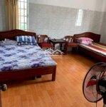 Cho thuê phòng trọ rộng 2 giường có nội thất