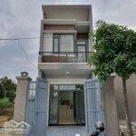 Cần tiền bán gấp căn nhà 72m2, mặt tiền đường nguyễn văn bứa giá bán 1.2 tỷ, sổ hồng riêng