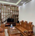 Cho thuê nhà 3 tầng, 5 phòng ngủ ngay mặt đường cách mạng tháng tám, giá chỉ 11 triệu/tháng