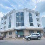 Bán tòa văn phòng quận 2, dt: đất 328,6m2, góc, 1 hầm 3 lầu, sổ hồng, giá bán:72tỷ