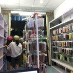 Sang cửa hàng phụ kiện điện thoại