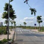 Bán đất mặt đường 25m tại dự án đấu giá cự khối - long biên. giá bán 70 triệu/m2