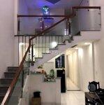 Nhà gác lửng 65m2 có 3 phòng ngủbên hông đh bách khoa