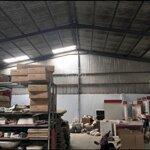 Cho thuê kho xưởngdiện tích500m2. giá bán 35 triệu/tháng. hẻm 8m đường sô 18 p bhh q bình tân.