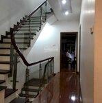 Nhà đẹp 4 tầng phố tây sơn, 67m2, 2 thoáng, sát phố