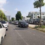 Bán biệt thự sau shophose - 200m2 - mặt tiền 10m - nhìn trường qt newton