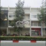 Nhà1 trệt 3 lầu trung tâm tp mới bd