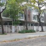 Bán nhà phố đông trục chính 20m. giá cực rẻ giá gốc cđt 10.5 tỷ