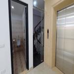 Cho thuê nhà mặt phố khu trung hòa nhân chính, 75mx 8t, hợp spa- văn phòng