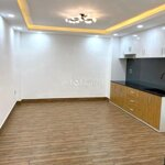 Cho thuê nhà đẹp hẻm 8m ngang 5diện tích203m2 4 phòng ngủ17 triệu