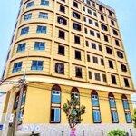 Bán Khách Sạn 11 Tầng 2 Mặt Tiền Đường Minh Mạng