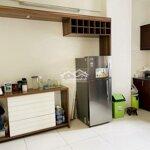 Cho thuê căn hộ 2 phòng ngủ 90.5m2 full nội thất