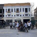 Bán shop kinh doanh 3 tầng cạnh góc chợ tiên lữ