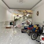 Cho thuê nhà 2 lầu mới đẹp kdc 586