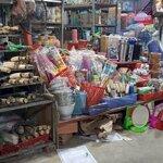 Cần sang lại kiot và nhiều sạp trong chợ