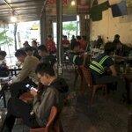Sang quân coffee 2 mặt tiền - lượng khách đông
