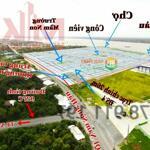Nền đối diện cổng trường học dự án Vạn Phát Sông Hậu,Mái dầm Hậu Giang