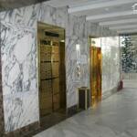Cho thuê mặt bằng văn phòng phố tôn đức thắng đoạn gần văn miếu đống đa tòa nhà có dt 200m x 9tầng,hầm để xe mặt tiền 7,5m