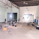 Cho thuê kho xưởng 300m2 điện 3pha ngã 4 ng khuyen