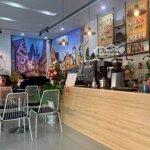Sang quán cà phê mặt tiền ngô quyền đầy đủ đồ đạc