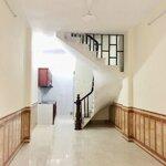 Nhà 2 tầng 40m2 long biên giá rẻ đầy đủ nội thất