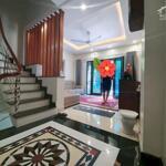 Bán nhà Quan Nhân, Thanh Xuân ba gác tránh, kinh doanh 50m2 4T 5 tỷ 15. LH 0387880200.