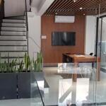 Cho thuê nhà đẹp nguyên căn 4 tầng mt lý thường kiệt, ngay trung tâm hải châu, gần các cơ quan hành chính quận và thành phố