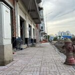 Nhà phố bình minh, vĩnh long, mặt tiền chợ 7m