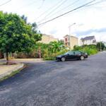 Giá 1 tỷ 5xx lô 90m trung tâm thị trấn bích động đường to ngay ql37 vào lh 0961881822