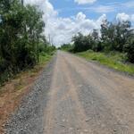 Miếng đất hơn 500m2 nga khu dân cư ,cách 2km là trug tâm hành chính chủ chi