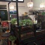 Sang quán cafe giá giá mùa dịch