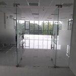 Văn phòng 220m2 ngã tư nguyễn hữu thọ - cmt8