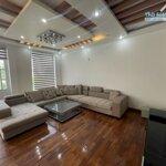 Căn biệt thự lê hồng phong, 4.5 tầng, 7 ngủ, giá bán 25 triệu/ tháng