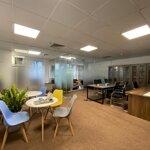 Chúng tôicho thuê văn phòngcó nội thất 120-140m2 giá bán 18 triệu/m2 rất đẹp tại tòa sông đà 9 - nguyễn hoàng,