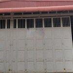 Bán nhà xưởng 700m2 trong tháng 10, mặt đường đại lộ thăng long, giá 5.x tỷ