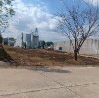 Tôi nga bán Lô 12m x25m đất thổ cư hết, nằm gần khu chợ lớn bình dương và siêu thị đã hoạt động LH: 0903765283