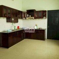 Cho thuê nhà 3 tầng 2 mặt tiền gần CC Monarchy LH: 0935125536