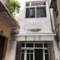 Chính chủ cho thuê nhà 71m2x3 tầng phố Đê La Thành LH: 0923292666