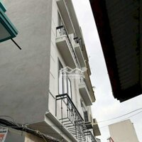 Nhà đẹp Tựu liệt 5 tầng ở luôn chỉ 1,95tỷ LH: 0963680783