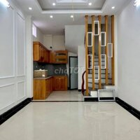 Nhà gần UBND La Khê,oto đỗ 50m,34m24T3P,Đủ NThất LH: 0968669135