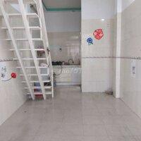 Hẻm 3,5m - nhà 1 trệt 1 lầu - nội thất cơ bản LH: 0703931685