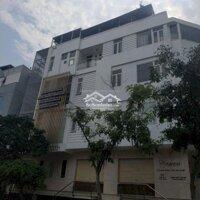 Nhà đoàn Văn bơ quận 4, 2 lầu 4 phòng ngủ LH: 0564632800