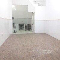 Nhà đường Tôn Thất Thuyết quận 4 hẻm xe hơi LH: 0564632768