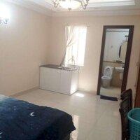 Nhà đường Đoàn Văn Bơ 4 lầu 3 phòng ngủ 3 wc LH: 0564632768