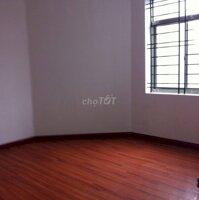 Cần cho thuê gấp căn hộ cc số 6 Đội Nhân 2 ngủ CB LH: 0398458882