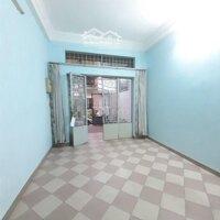 Nhà rộng, 4 phòng ngủ, thích hợp ở, kd online LH: 0707211884