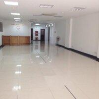Cho thuê nhà mặt phố Tuệ Tĩnh, vị trí ngã tư, diện tích 90m2, mặt tiền 5m, nhà mới, đủ nội đẹp LH: 0938218111