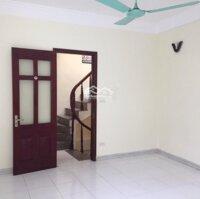 Cho thuê nhà riêng phố Quang Trung - Trần Hưng Đạo: Diện tích 30m2 x 5 tầng, 3 ngủ + khách + bếp LH: 0938218111