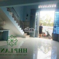 Nhà nguyên căn xây mới giá rẻ LH: 0973010209